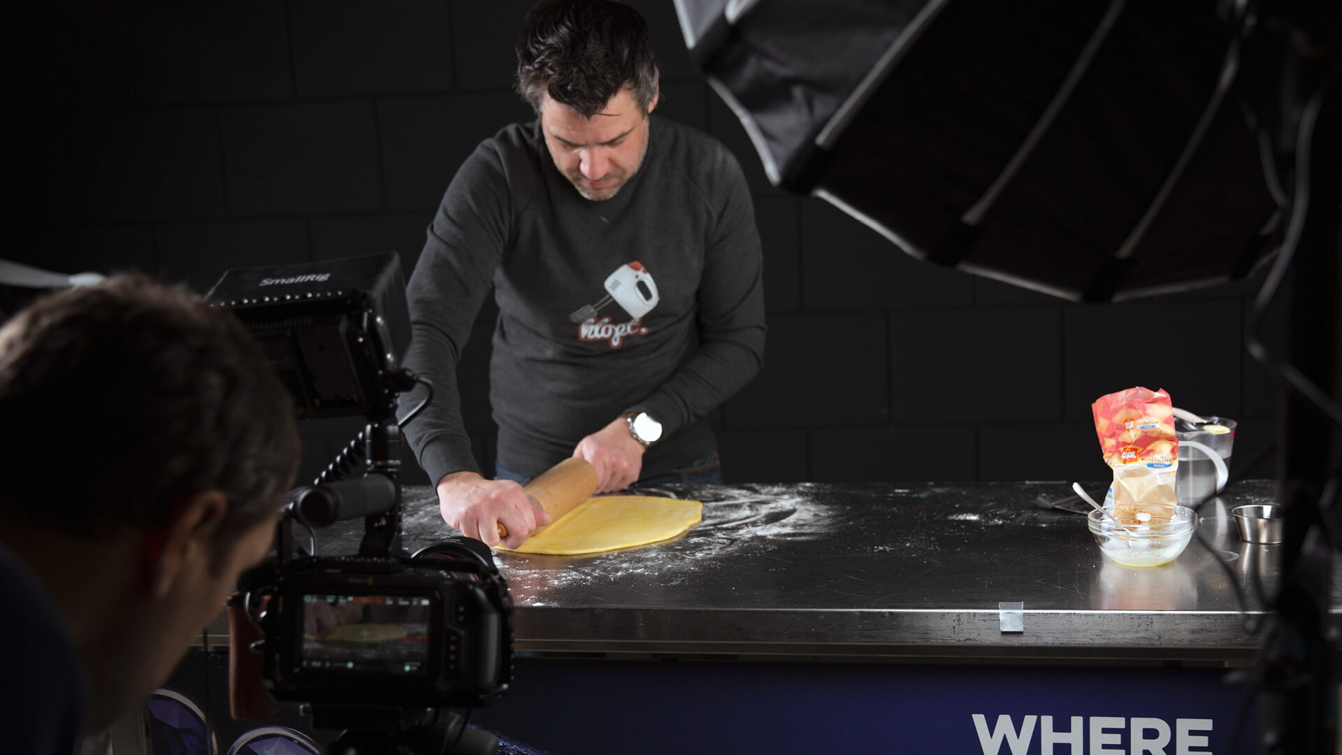 The New Croissant - Backstage